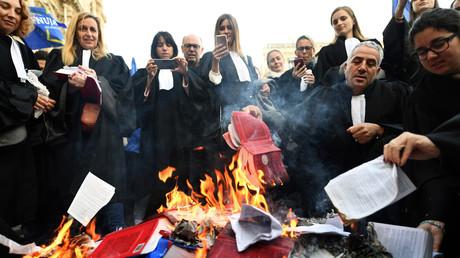 Journée Justice morte : après les Gilets jaunes, la colère noire des avocats et magistrats