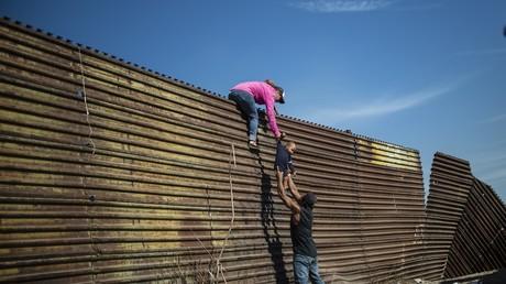 Etats-Unis : une migrante guatémaltèque de 7 ans meurt de déshydratation en détention