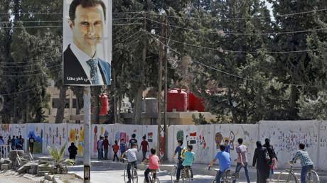 Des étudiants syriens arrivent à l'école, à Kafr Batna, le 5 septembre 2018 (Image d'illustration).