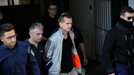 Alexandre Vinnik arrive au palais de justice de Thessalonique (Grèce) le 11 octobre 2017.