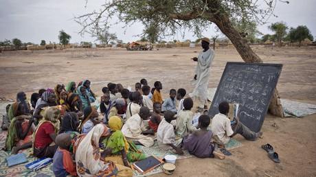 «Bombe démographique»: au Tchad, Emmanuel Macron récidive sur la natalité en Afrique
