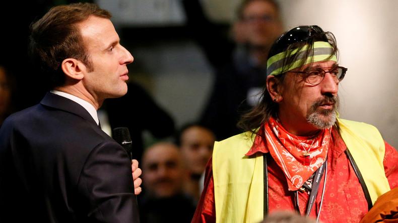 artisanat de qualité large choix de couleurs bonne vente Mobilisation des Foulards rouges contre les Gilets jaunes ...