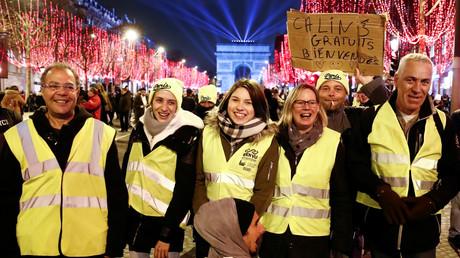 Comme pour Noël, des Gilets jaunes ont préféré passer le Nouvel An ensemble (VIDEOS)