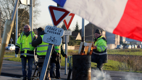 Des Gilets jaunes au rond-point de Somain (image d'illustration).