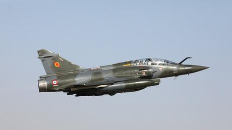 Mirage 2000 disparu : des débris retrouvés dans le Jura, les recherches toujours en cours