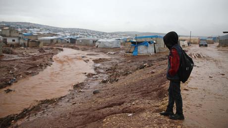 Enfant près d'un camp de réfugiés dans l'a province d'Idleb.