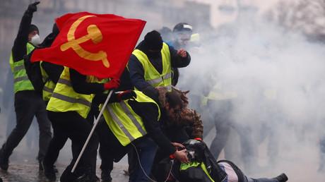 Bordeaux, Toulouse, Paris : les images fortes de l'acte 9 des Gilets jaunes (VIDEOS)