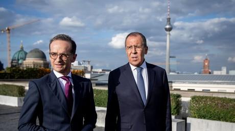 Le ministre des Affaires étrangères allemand Heiko Maas et son homologue russe  Sergei Lavrov après des discussions bilatérales le 14 septembre 2018 à Berlin.
