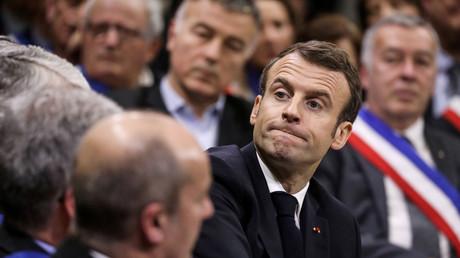 «Arrêtez de stigmatiser, d'opposer, de mépriser» : un maire interpelle Emmanuel Macron
