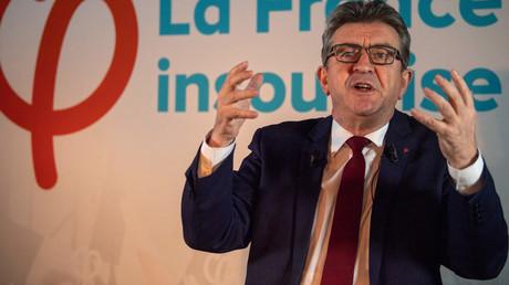 Jean-Luc Melenchon, leader de La France Insoumise, adresse ses vœux de bonne année au café Molotov, à Marseille le 18 janvier 2019.