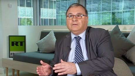 L'ambassadeur du Venezuela en France Michel Mujica lors d'une interview à RT France en mai 2018