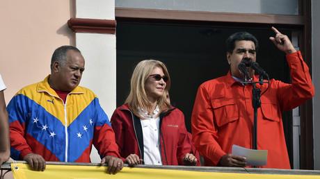 Nicolas Maduro au balcon du palais présidentiel le 23 janvier.