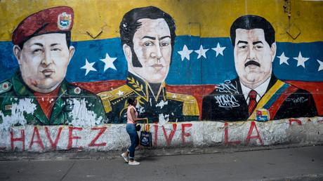 Venezuela : pourquoi les deux camps revendiquent-ils la figure de Simon Bolivar ?