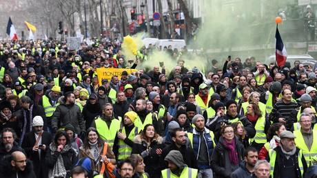 Un cortège de Gilets Jaunes à Paris, le 26 janvier 2019.