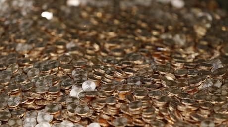 Nice : des Gilets jaunes débarquent avec une brouette de pièces rouges au centre des impôts (PHOTO)