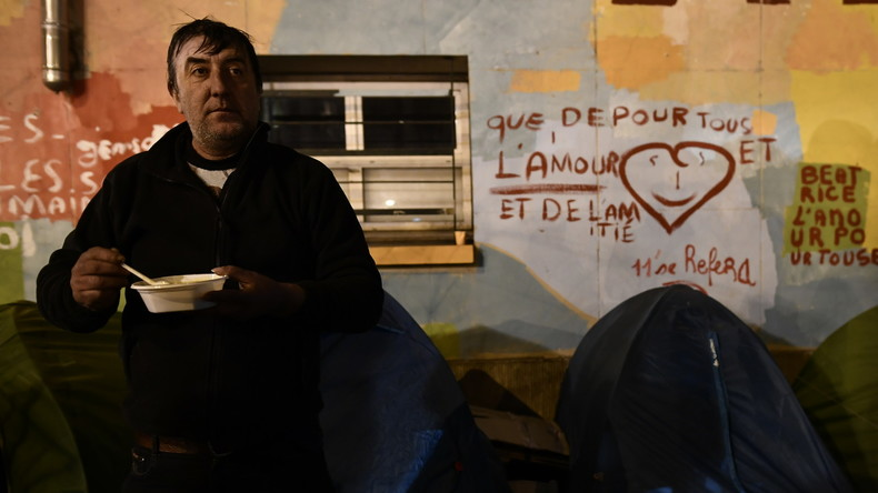 Hausse du nombre de sans-abri à Paris : 3 622 SDF dénombrés contre 3035 en 2018
