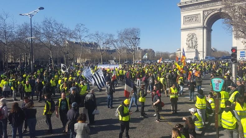 Acte 15 des Gilets jaunes : quelques heurts à Paris, Toulouse et Clermont-Ferrand (EN CONTINU)