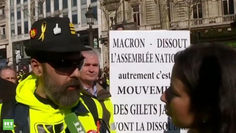 «Macron n'en a rien à foutre du peuple» : Jérôme Rodrigues répond à RT France lors de l'acte 15