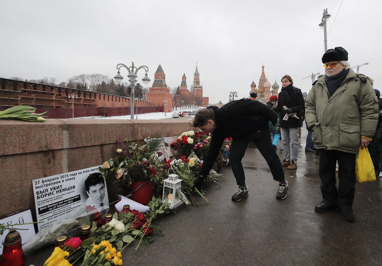 Moscou : des milliers de personnes rendent hommage à Boris Nemtsov, quatre ans après son assassinat
