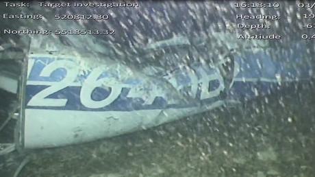 Photographie de la carlingue de l'avion retrouvé par les enquêteurs de l'AAIB.
