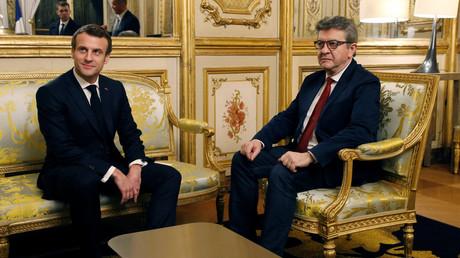 Emmanuel Macron reçoit Jean-Luc Mélenchon au Palais de l'Elysée, le 6 février 2019.