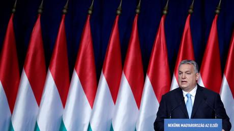 Viktor Orban supprime l'impôt à vie aux femmes ayant quatre enfants ou plus