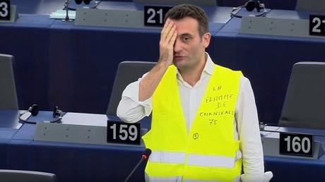 Florian Philippot lors de son hommage aux Gilets jaunes mutilés au Parlement européen le 11 février.