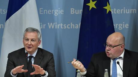Le ministre français de l'Economie, Bruno Le Maire (à gauche) et son homologue allemand Peter Altmaier (à droite), donnent une conférence de presse le 19 février 2019 à Berlin, pour présenter leur projet de politique industrielle pour l'UE.