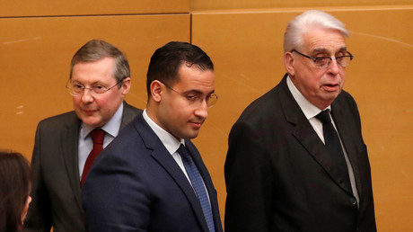 Alexandre Benalla encadré de Philippe Bas et Jean-Pierre Sueur au Sénat le 21 janvier à Paris (image d'illustration).