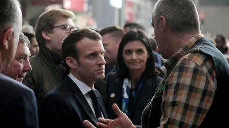 Emmanuel Macron au salon de l'agriculture : un discours européiste mais contradictoire ?
