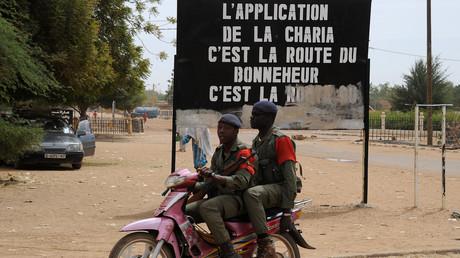 Février 2013 à Gao au nord du Mali, des militaires maliens à la recherche de djihadistes (image d'illustration).
