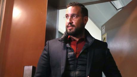 Alexandre Benalla lors de sa sortie de prison le 26 février.