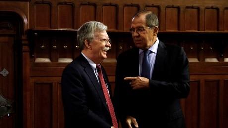 Sergueï Lavrov et John Bolton.