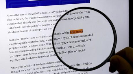 Un écran d'ordinateur affichant l'expression «Fake news» (image d'illustration).
