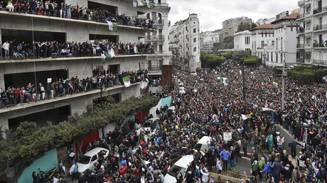 Manifestation à Alger, le 8 mars 2019, contre le pouvoir en place et le 5e mandat du président Bouteflika.