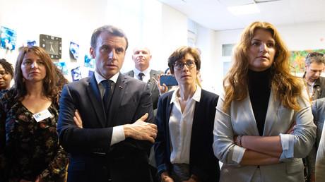 Emmanuel Macron et Marlène Schiappa, lors du Grand débat national à Bordeaux, le 28 février 2019.