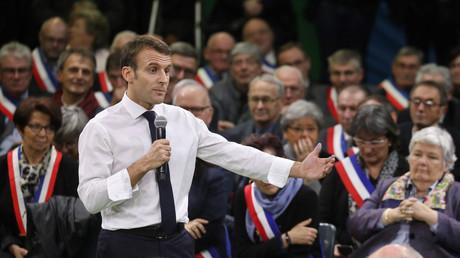 Emmanuel Macron en meeting dans le cadre du grand débat national, le 15 janvier à Grand Bourgtheroulde.