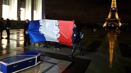 Manifestation des policiers au Trocadéro à Paris