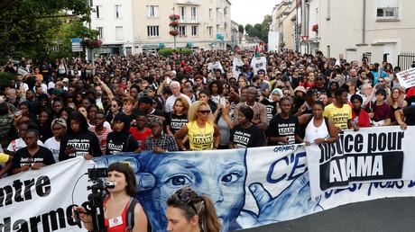 Manifestation le 21 juillet 2018 à Beaumont-sur-Oise en soutien de la famille d'Adama Traoré.