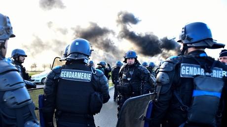 La gendarmerie mobile intervient le 7 mars à Condé-sur-Sarthe pour déloger les grévistes (image d'illustration).