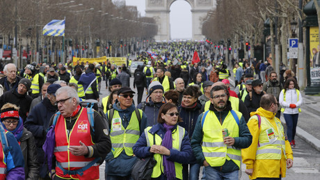 Pour avoir rigoureusement traité les informations sur les Gilets jaunes, RT France est-il victime de son succès ?