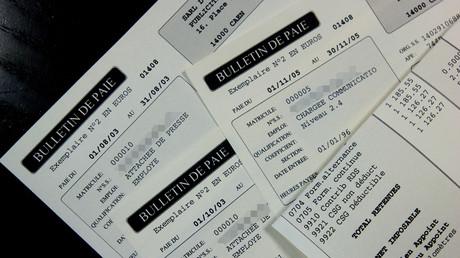 Votée quelques jours avant la fin de l'année, la Loi MUES a autorisé les entreprises à payer à leurs salariés une «prime exceptionnelle de pouvoir d'achat» exonérée, dans la limite de  1000 euros, de cotisations sociales et d'impôt sur le revenu.