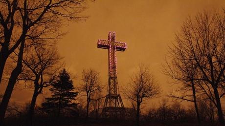 La croix du mont Royal, sur les hauteurs de Montréal, le 6 avril 2005 (image d'illustration).