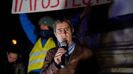 Ruffin se pose en médiateur face à Macron pour résoudre la crise des Gilets jaunes