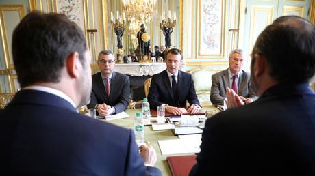 Alexis Kohler, ici à la droite d'Emmanuel Macron (image d'illustration).