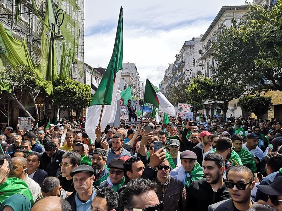 Algérie : où en est la contestation en ce 8e vendredi de mobilisation ? (IMAGES)
