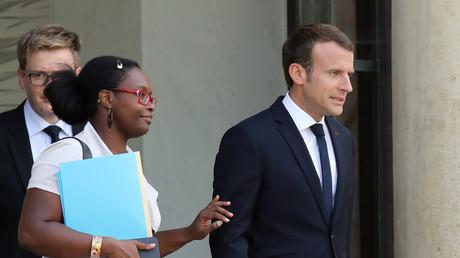Sibeth Ndiaye et Emmanuel Macron sur le parvis de l'Elysée en octobre 2017 (image d'illustration).