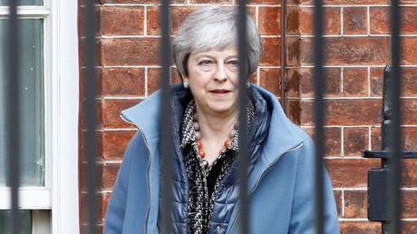 Theresa May veut un nouveau report du Brexit et appelle Corbyn à coopérer avec elle