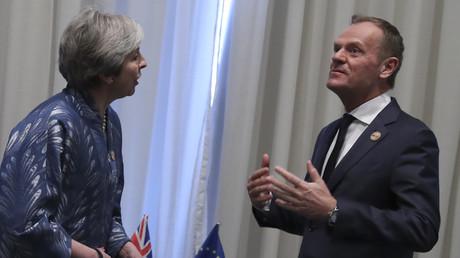 Brexit : Theresa May suggère une sortie le 30 juin, le Conseil européen propose un report d'un an