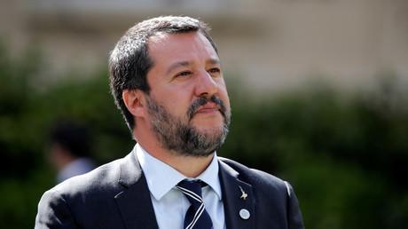 «Du bon sens» : Salvini salue le retour des mentions «père» et «mère» sur les formulaires d'identité
